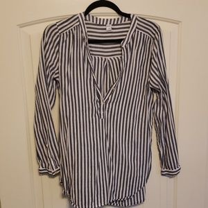 Striped Old Navy long sleeve shirt